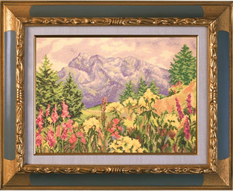 Вышитая картина Горная поляна