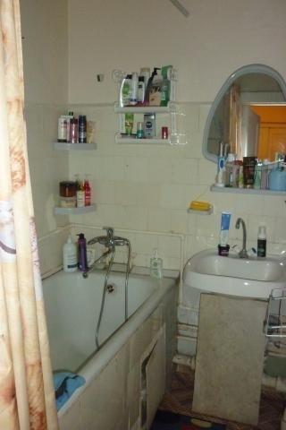 Продается 2-комнатная квартира в хорошем благоустроенном районе.