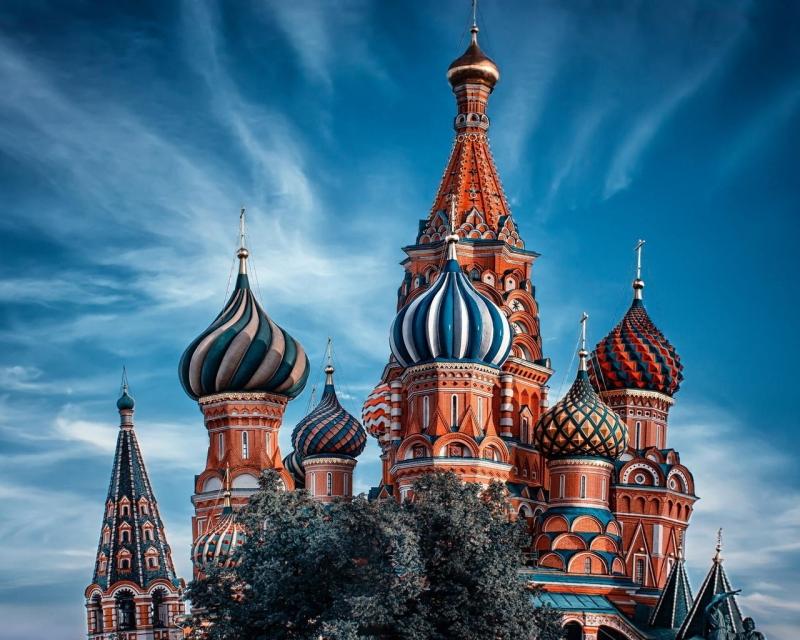 Помощь в оформлении приглашений для иностранцев в Россию